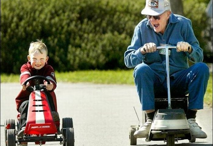 old-people-with-their-grandkids